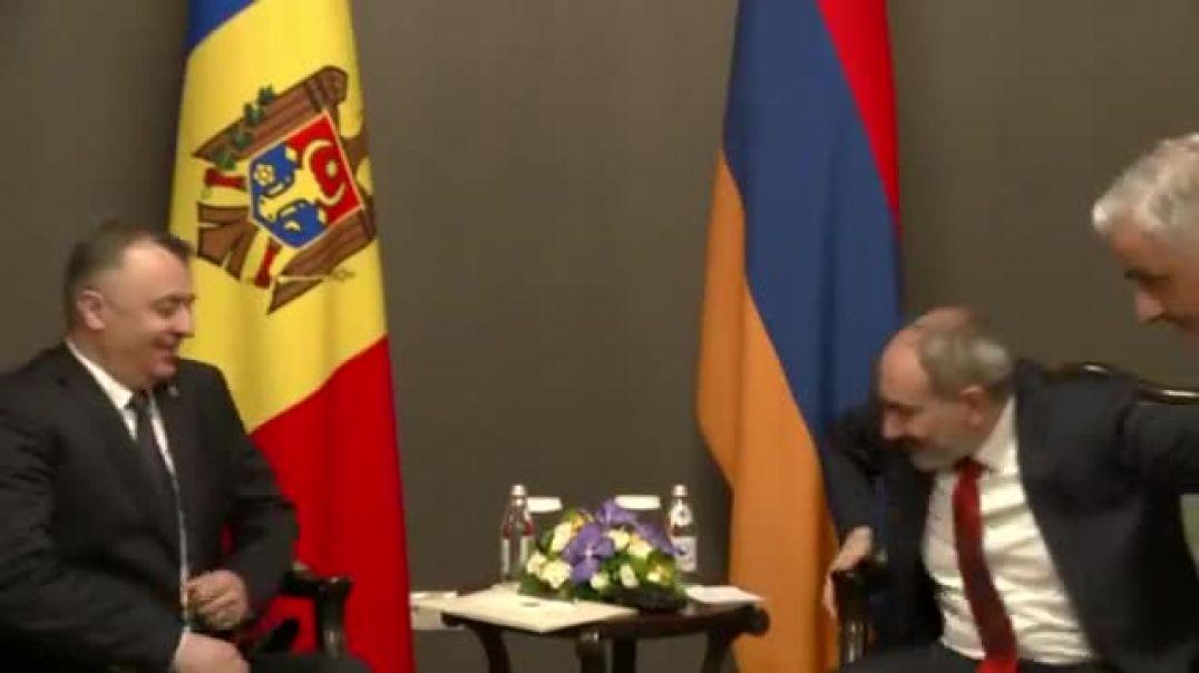 Ալմաթիում հանդիպում եմ նաեւ Մոլդովայի վարչապետ Իոն Կիկուի հետ։