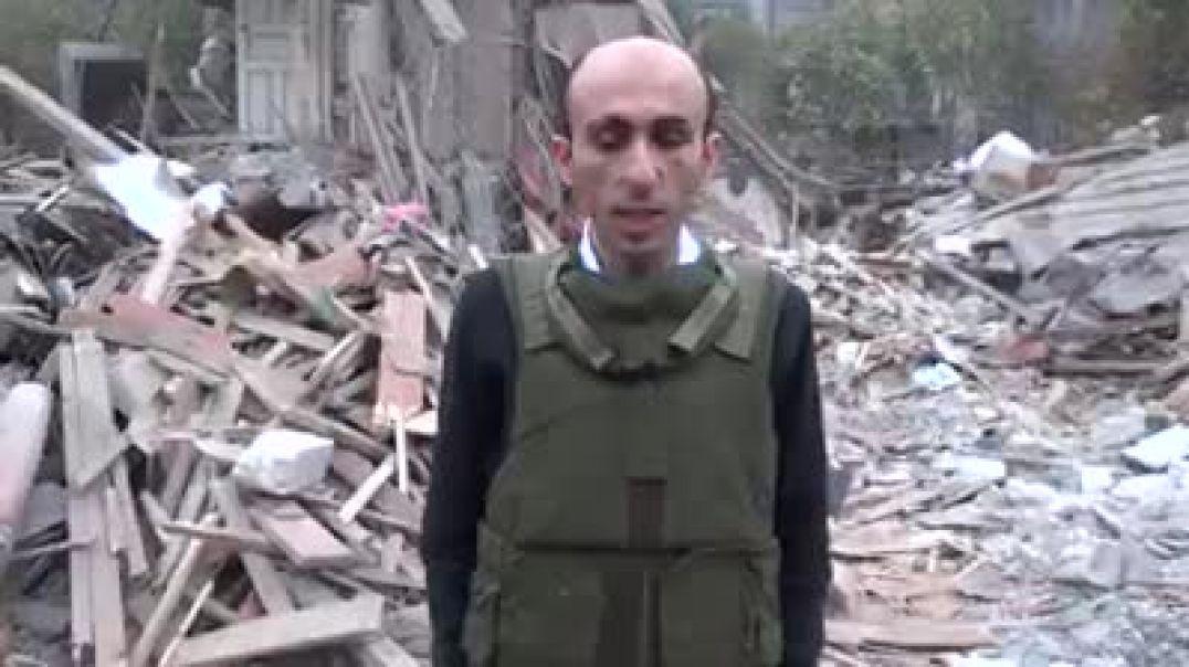 ԱՀ ՄԻՊ Արտակ Բեգլարյանը Ստեփանակերտի բնակելի թաղամասերից մեկից, որտեղ այսօր Ադրբեջանի հրթիռակոծությա