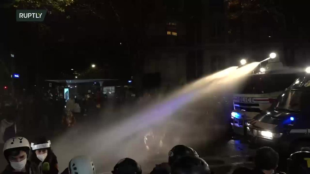 Լարված իրավիճակ Փարիզում. ցուցարարների դեմ ջրցան է կիրառվել