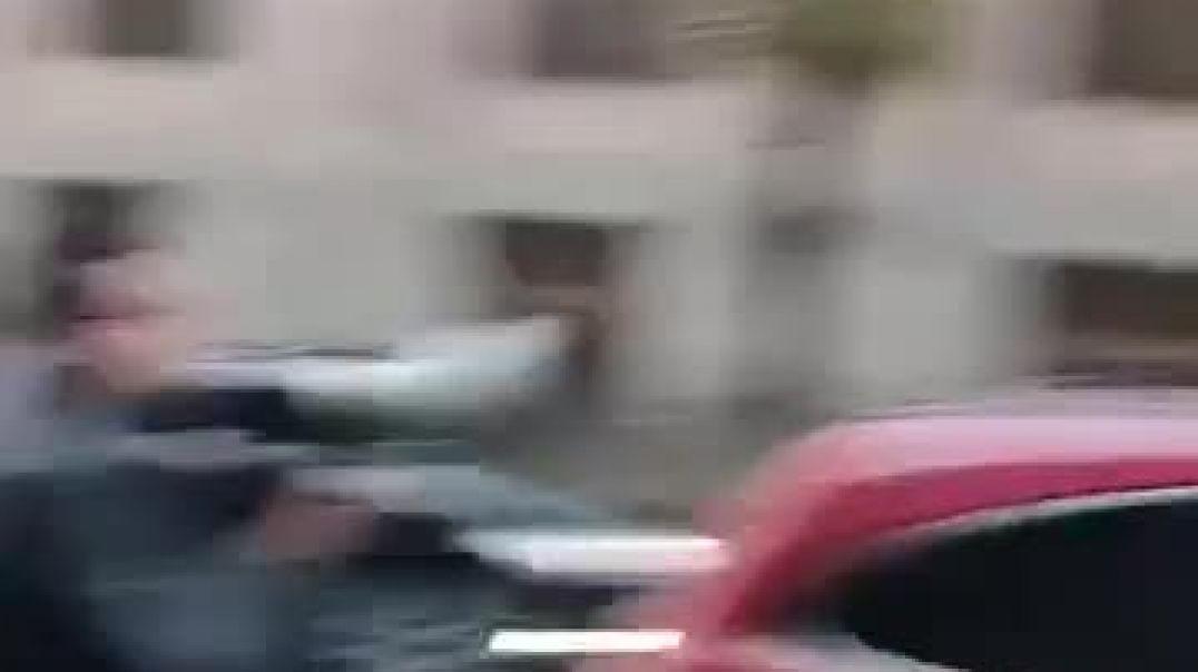 ՀՅԴ-ական երիտասարդները ձվերով եւ կոչերով են դիմավորել կառավարություն մուտք գործող Փաշինյանին