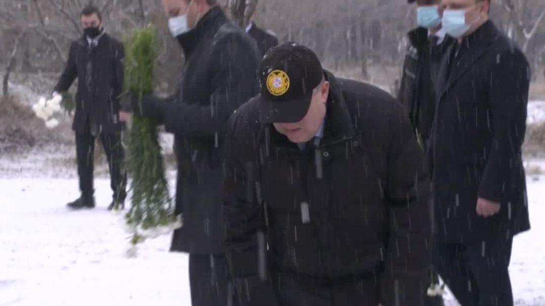 Նախագահ Արմեն Սարգսյանն այցելել է «Եռաբլուր» զինվորական պանթեոն