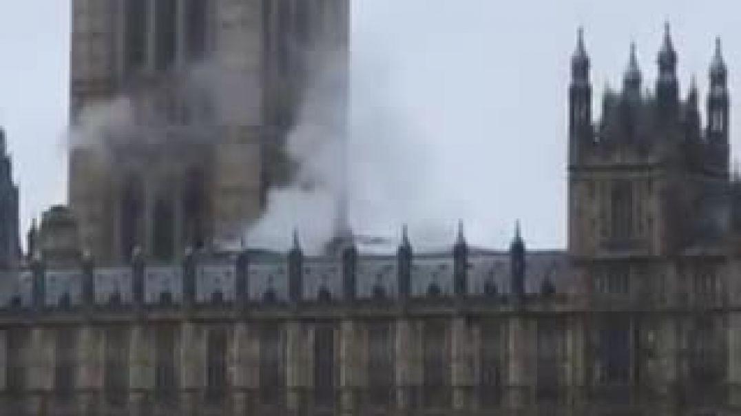Ինչ է այրվում Մեծ Բրիտանիայի խորհրդարանում՝ հայտնի չէ