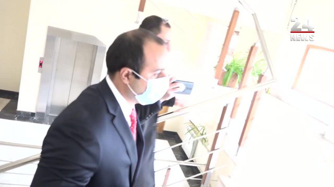 Չբացե՛ք էլ դուռը․Հայկ Սարգսյանը խլեց լրագրողի խոսափողը