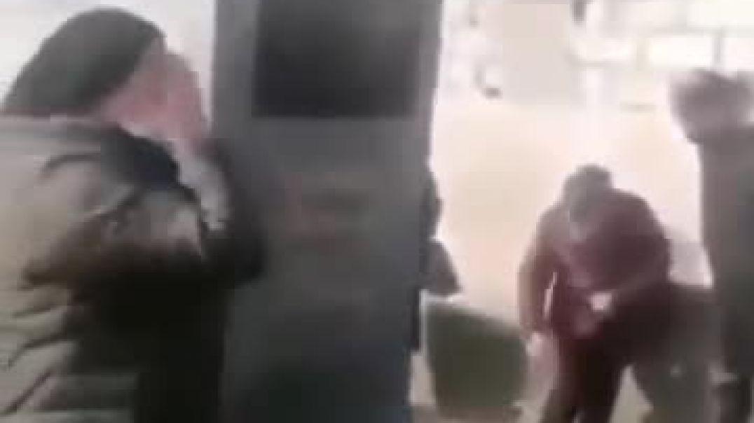 ՏԵՍԱՆՅՈՒԹ. Ադրբեջանի շեխիդները իրենց որդիների գերեզմաններում դիակների փոխարեն ջուր են հայտնաբերում(2