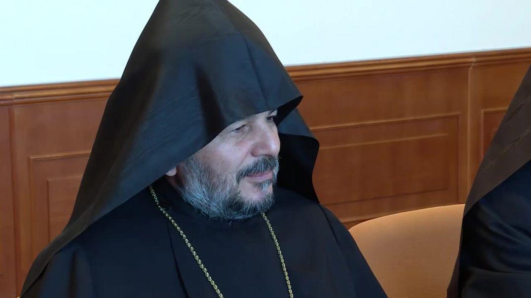 Արցախի նախագահն ընդունել է Պարգև սրբազանին ու Արցախի թեմի նոր առաջնորդին