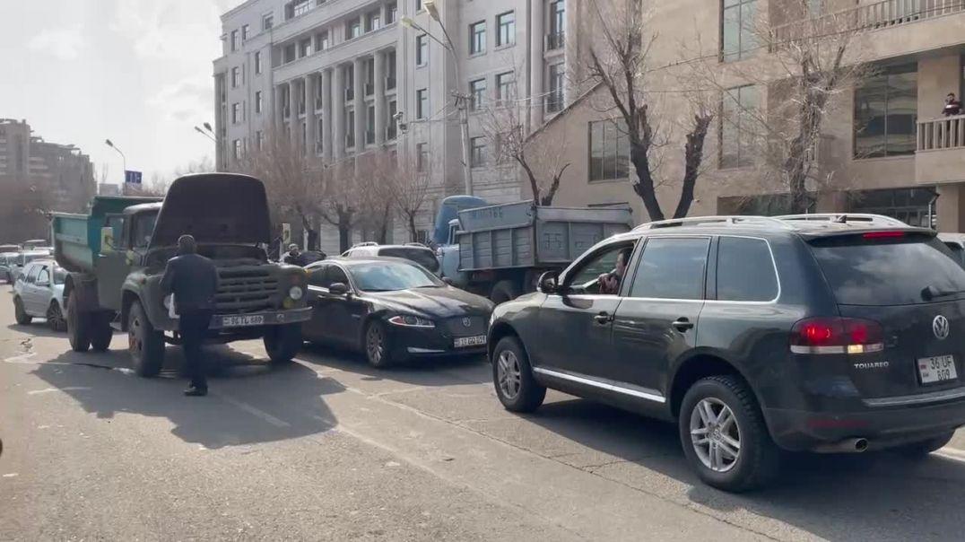 ՏԵՍԱՆՅՈՒԹ.  Ակցիայի մասնակիցները փակեցին Պռոշյան փողոցը