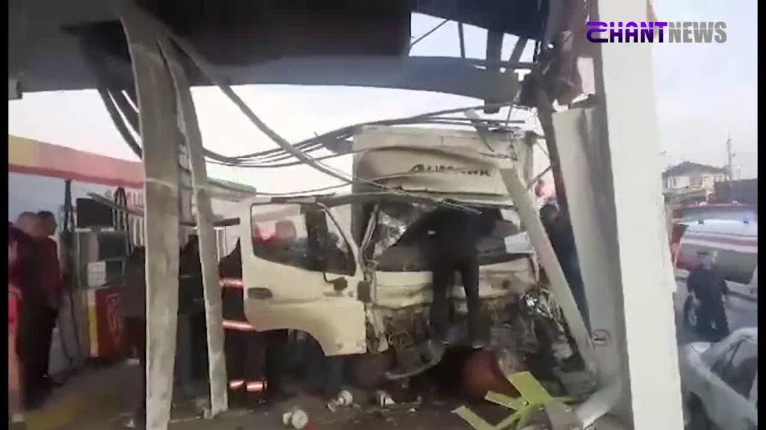 Դավիթ Բեկի փողոցում ավտոմեքենան բախվել է բենզալցակայանին