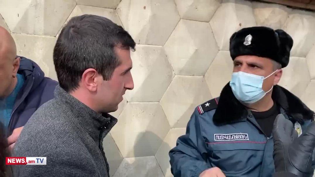 Արմեն Սարգսյանին պաղպաղակ տանելու համար քաղաքացիները բերման ենթարկվեցին