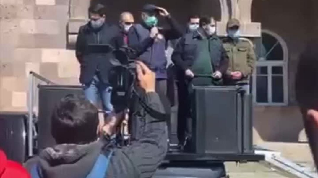 Նիկոլ Փաշինյանը Արագածում ելույթ է ունեցել մեքենայի թափքին կանգնած