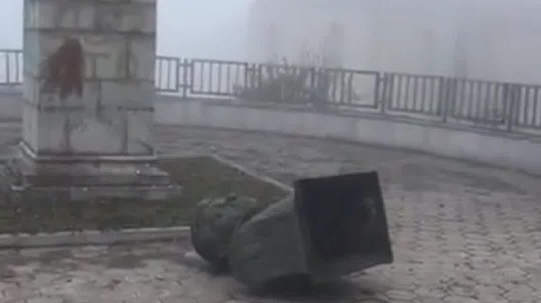 ՏԵՍԱՆՅՈՒԹ. Ադրբեջանցիները Շուշիում  շարունակում են քանդել հայկական հուշարձանները