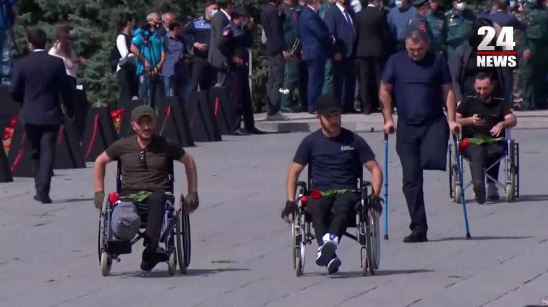 Արցախում վիրավորված զինծառայողներն այցելել են Ծիծեռնակաբերդի հուշահամալիր