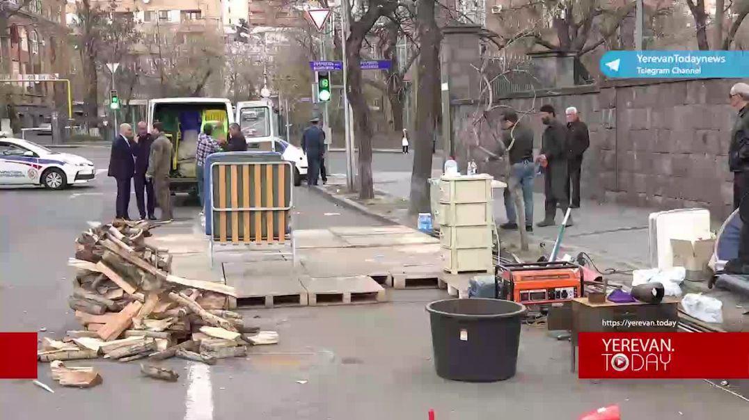Հայրենիքի փրկության շարժումը ազատում է Դեմիրճյան փողոցը