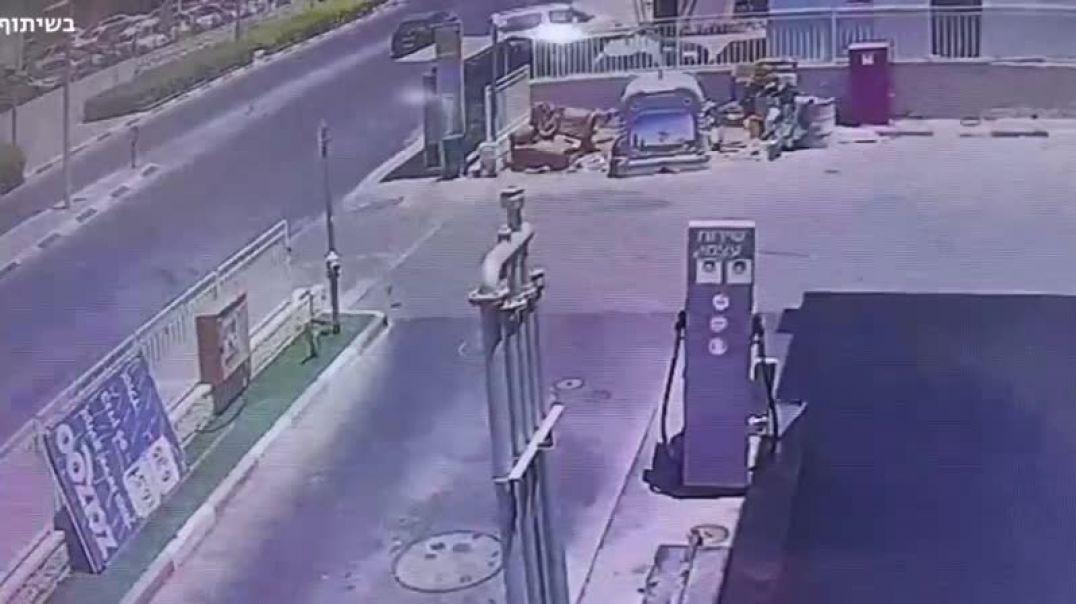Փողոցի տեսախցիկը ֆիքսել է Պաղեստինի կողմից արձակված հրթիռի ընկնելու պահը