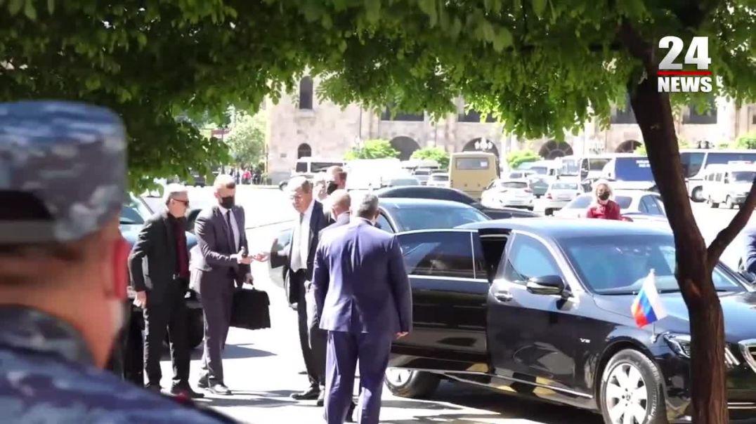 Լավրովն ու Այվազյանը ժամանեցին կառավարություն՝ Փաշինյանի հետ հանդիպման