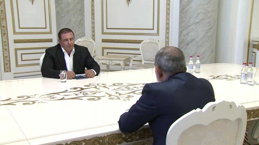 Նիկոլ Փաշինյանը հանդիպել է Գագիկ Ծառուկյանին