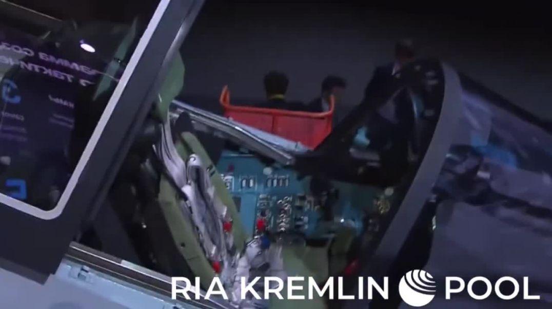 Новый истребитель _Сухого_ Checkmate показали Путину