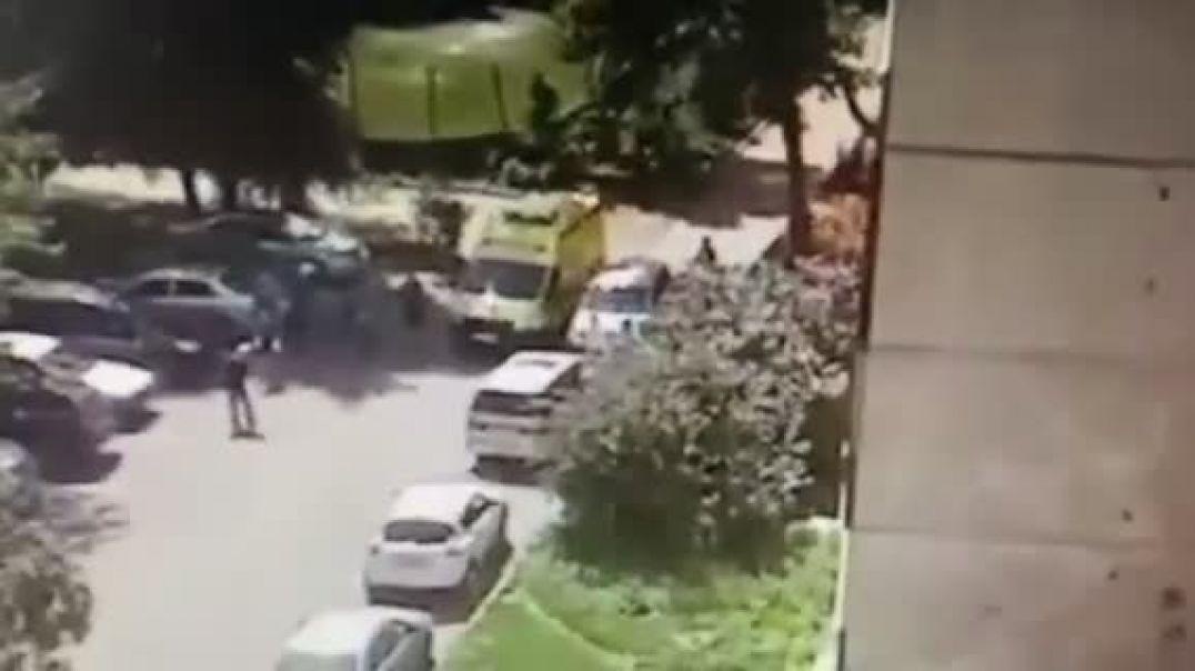 Կինը պատուհանից դուրս է նետել իր դստերը