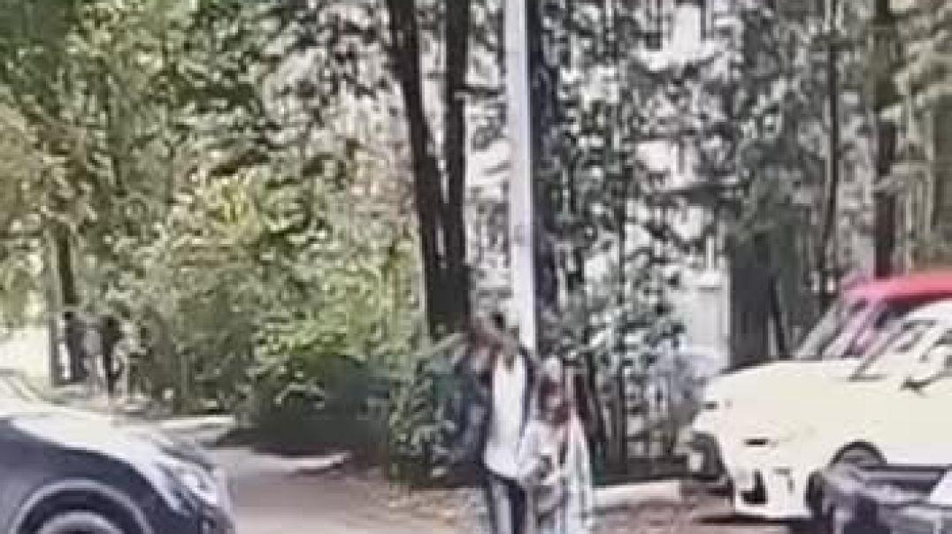 Մերձմոսկվայում մի տղամարդ փորձել է փողոցում խեղդել մի աշակերտուհու