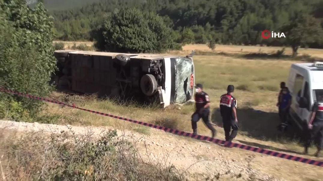 Բախվել են զբոսաշրջիկներ և դպրոցականներ տեղափոխող ավտոբուսները․ կա զոհ, մոտ 50 մարդ հոսպիտալացվել է
